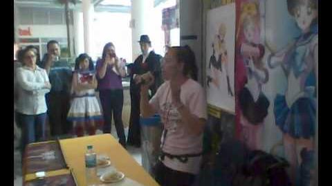 Belinda Martinez en lanzamiento de Sailor Moon Talk Box