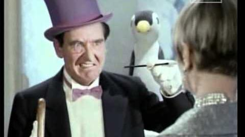 Marsha y El Pinguino conspiran