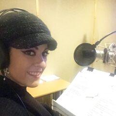 Carla Cerda en la grabacion de la canción