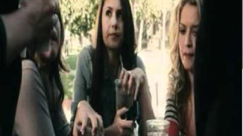 Nina Dobrev en Peligrosa Compañia - Audio Latino