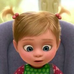 Riley Anderson (niña) en <a href=