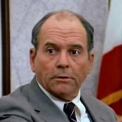 El Capitán E.G. Boyd (Gerald S. O'Roughlin) en <a href=