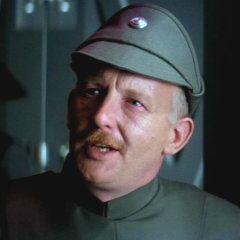 Almirante Kendal Ozzel en el redoblaje de <a href=