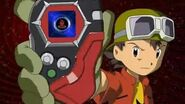 Takuya digievoluciona en BurningGreymon y salva a Tommy - Latino