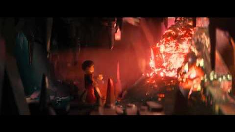 """""""La Gran Aventura LEGO"""". """"Hombre de Plástico"""". Oficial Warner Bros"""