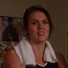 Josie (Rachel Meyers) en <a href=