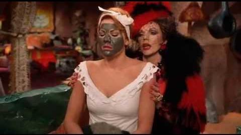 Nancy Mckenzie Como Vilma y Perla Rocaplata