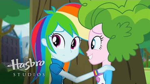 Friendship Games - Pinkie Espía