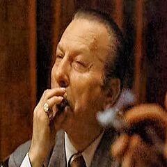 Don Victor Stracci en el redoblaje de <a href=