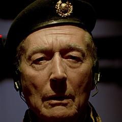 General Staedert en el redoblaje de <a href=