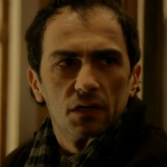 Detective Kiril en <a href=