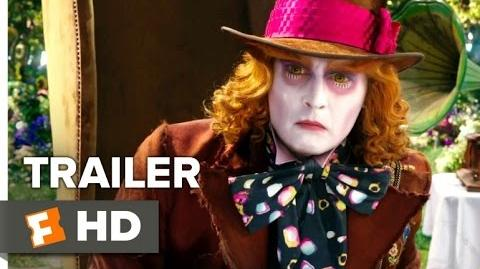 Alicia a través del Espejo Trailer 3 Doblado al Español Latino (2016)