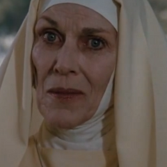 Hermana Mary Helena (Nan Martin) en<a href=