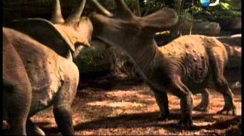 En el tiempo de los dinosaurios - Introducción (audio español latino)
