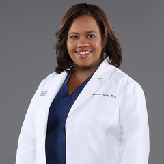 Dra. Miranda Bailey (desde la temp. 6) en <a href=