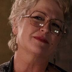 Sra. Darbus (<a href=
