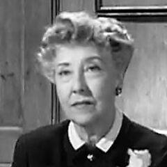 Margaret (Josephine Whittell) en <a href=