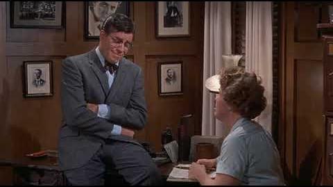 El terror de las chicas LATINO (The ladies man) 1961 Jerry Lewis