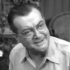 George Wilson (Joseph Kearns) en la serie de <a href=