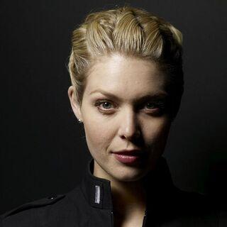 Teniente Tamara Johansen (Alaina Huffman) en <a href=