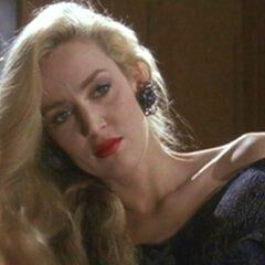 Alicia Hunt (Jerry Hall) en <a href=