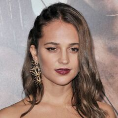Voz recurrente de Alicia Vikander.
