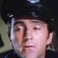 Oficial Emilio Chávez (<a href=