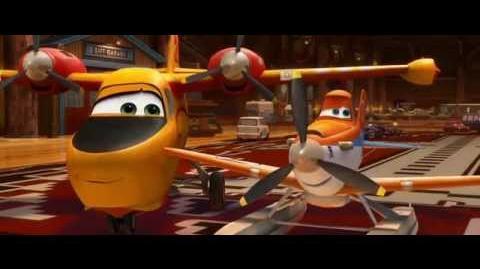 Aviones 2 Equipo de rescate - El primer Beso