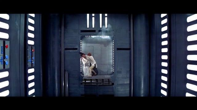 """Star Wars """"Escape de la Estrella de la Muerte"""" (Doblaje angelino)"""