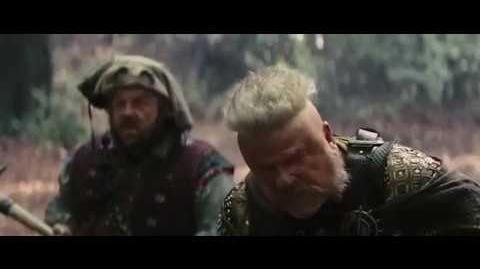 Blanca Nieves y El Cazador Vídeo Clip - Atrapados por los enanos (Latino)