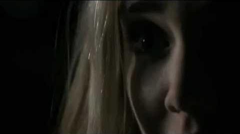 Vampire Diaries 1x19 - Stefan ataca a Amber Bradley - Audio Latino