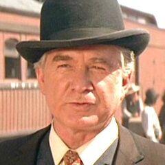 El Alguacil Crawley Dake en <a href=