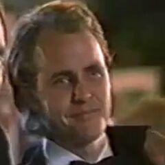Ted Newman (Scott Burkholder) en <a href=