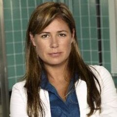 Enfermera/Dra. Abby Lockhart en <a href=