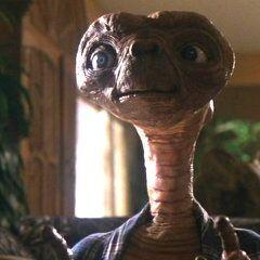 E.T. en los dos doblajes de <a href=