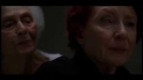 American Horror Story ''Murder House'' - Moira y su madre