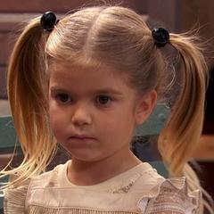Emma Ross niña también en <a href=