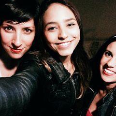 Carla Castañeda (Twiligth), Melissa Gedeón (Pinkie) y Analiz Sánchez (Rainbow) durante la grabación de canciones. (10/04/15)