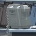 Empleada de Seguritas al teléfono - TIR