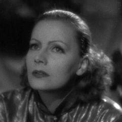 Elizaveta Grusinskaya (Greta Garbo) en el redoblaje de <a href=