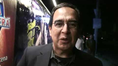 Alejandro Mayén envia saludos a Jugando en Serio