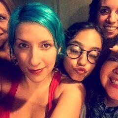 Maggie Vera, Carla Castañeda, Meli G (Pinkie), Analiz Sánchez y Elsa Covian (Rarity) en grabacion de canciones. (21/06/16)