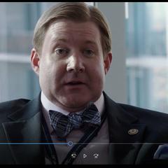 Stan Morris (TIm Ware) Interrogador de la DEA <a href=