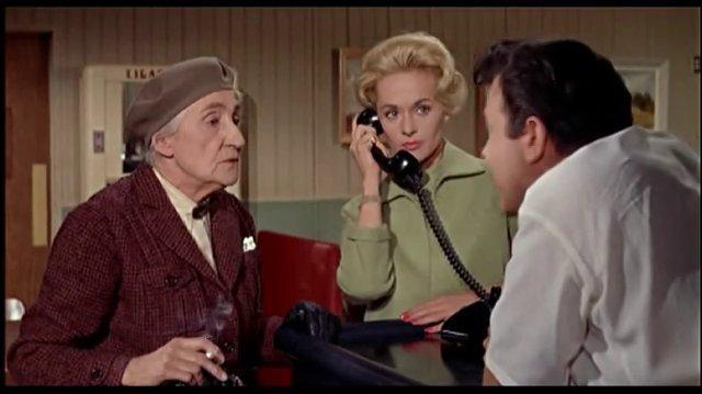 Los pájaros (1963) Conversación en el restaurante Español Latino