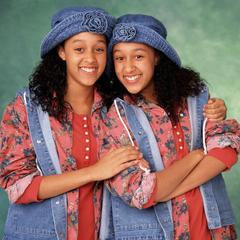 Tia Landry y Tamera Campbell en <a href=