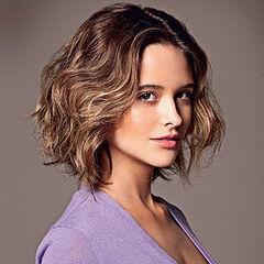 Es la voz recurrente de la actriz brasileña <a href=
