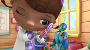 MAS 0000000000071000 doc mcstuffins s03 e20-ingested-Space Buddies Forever