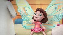 Frida Fairy Flies Again Pic 007