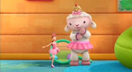 Lambie and dress up daisy3
