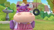 Doc-McStuffins-Season-2-Episode-14-Big-Head-Hallie--Peaches-Pie-Take-a-Bath-